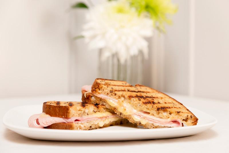 Desayuno sandwich mixto sin gluten