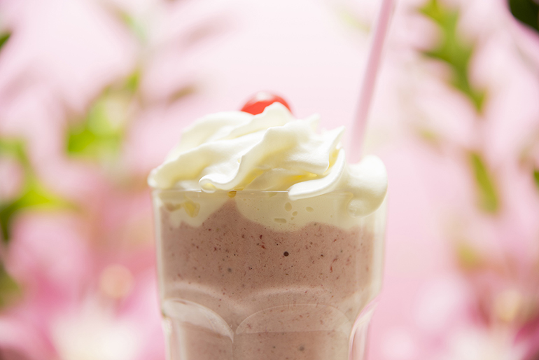 Batidos meriendas saludables zaragoza fruta con helado y nata