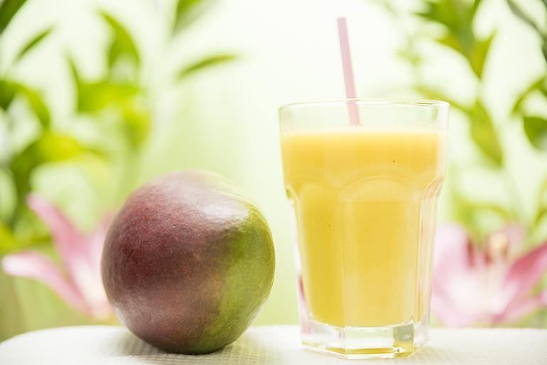 Smoothie fruta natural vegano y sin gluten Mango, Fruta de la Pasión y Piña. Zaragoza