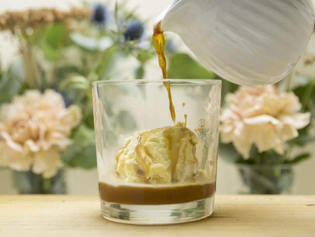 Cafe con licor en Mi HABITACION favorita. Café Escocés con whisky y helado de vainilla Zaragoza.
