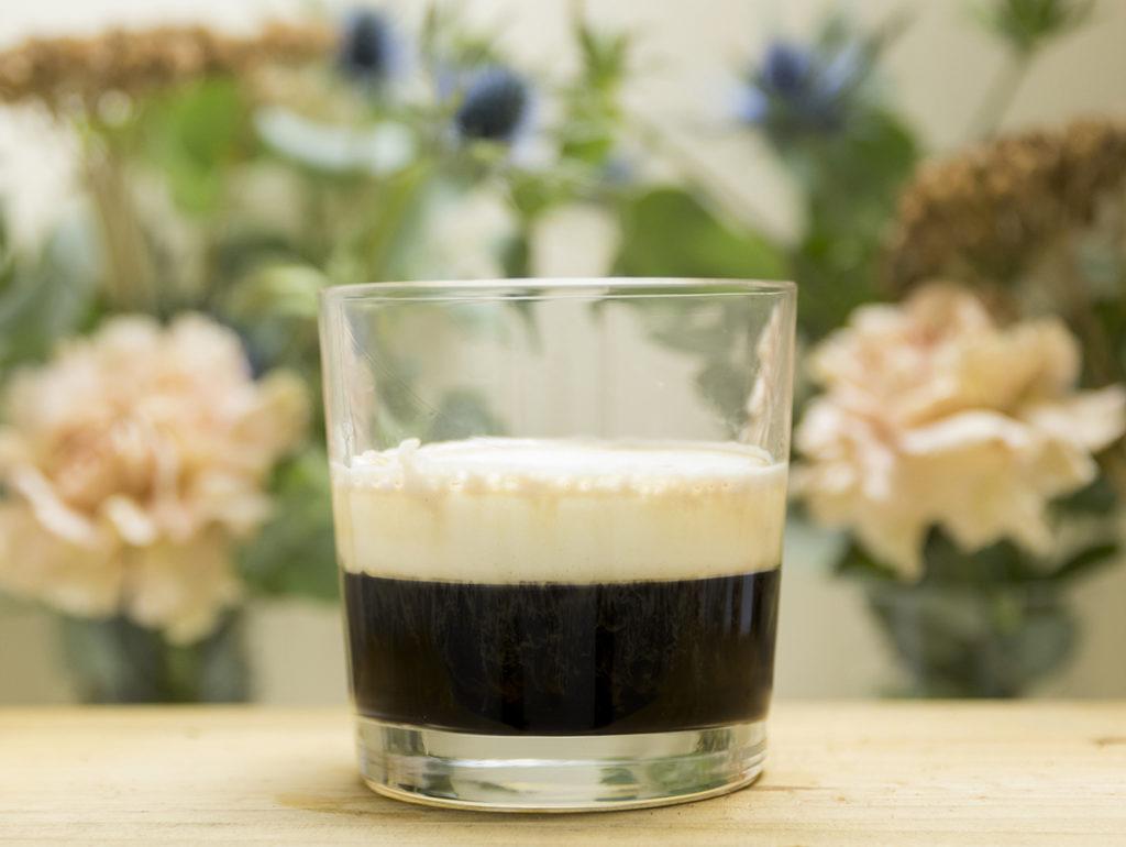Cafe con licor en Mi HABITACION favorita. Café Irlandés con whisky y nata Zaragoza.