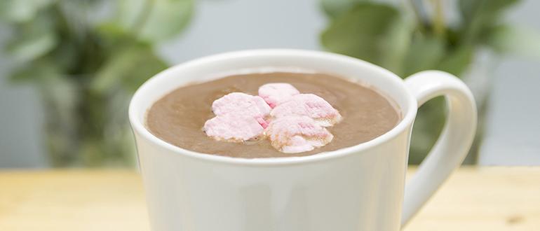 Chocolate caliente elaborado por nosotros con cacao ecológico y endulzado con azúcar de caña orgánico. Meriendas con Chocolate en Zaragoza