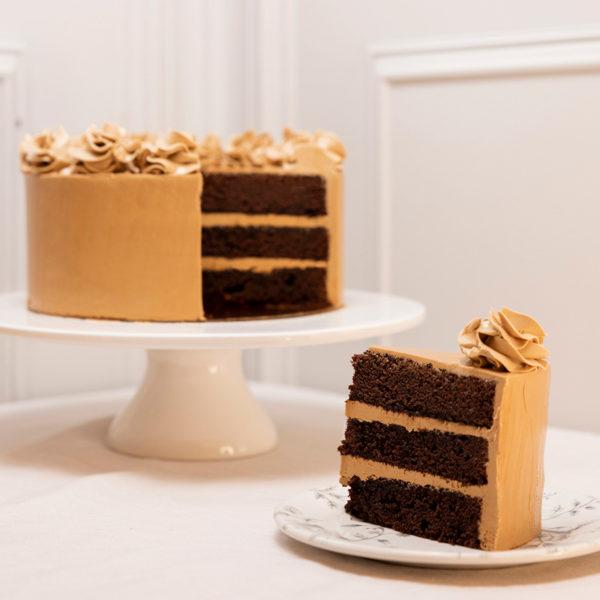 Porción de tarta chocolate y cafe