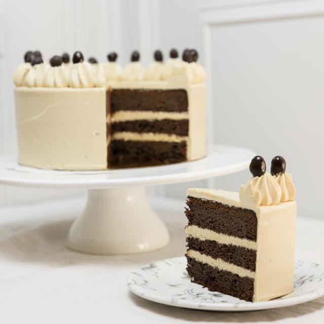 Tarta de cumpleaños chocolate y cacahuete