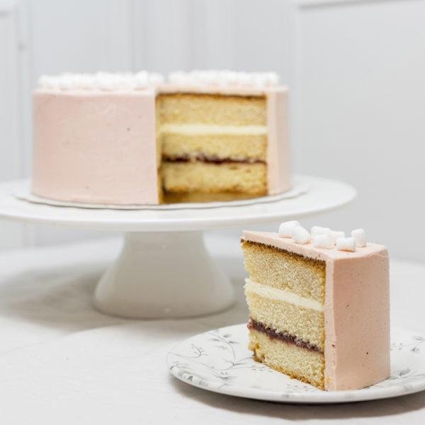 Tarta de cumpleaños de fresa y vainilla