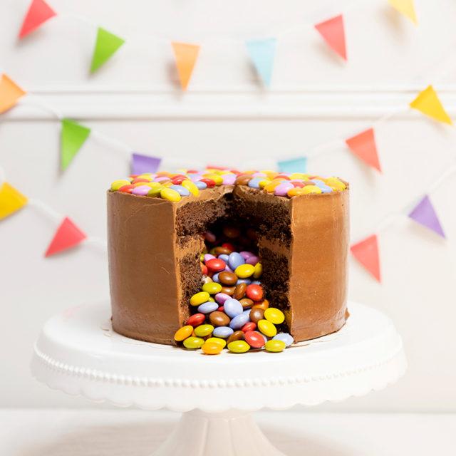Tarta cumpleaños lacasitos de colores sin gluten