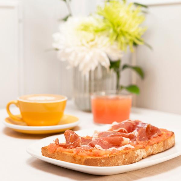 Menús de desayuno en Zaragoza Desayuno Serrano