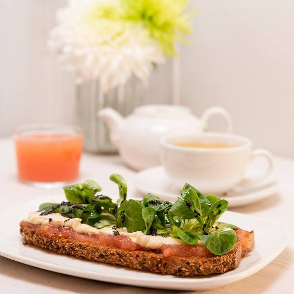 Menús de desayuno en Zaragoza desayunos con tostada vegana