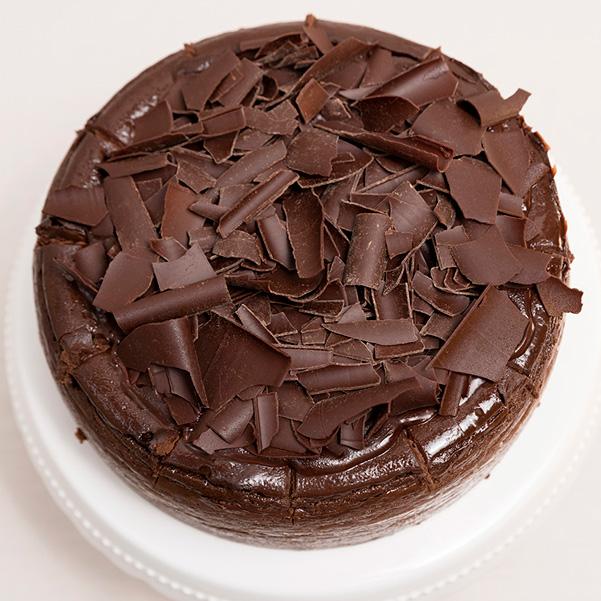 Tarta de queso de chocolate con virutas de chocolate