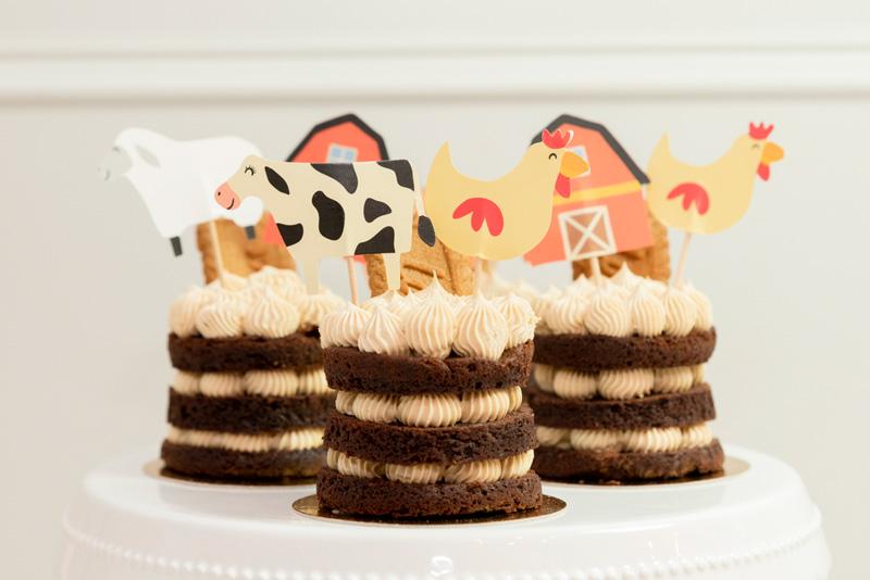 Pasteles chocolate y Galleta decorados granja