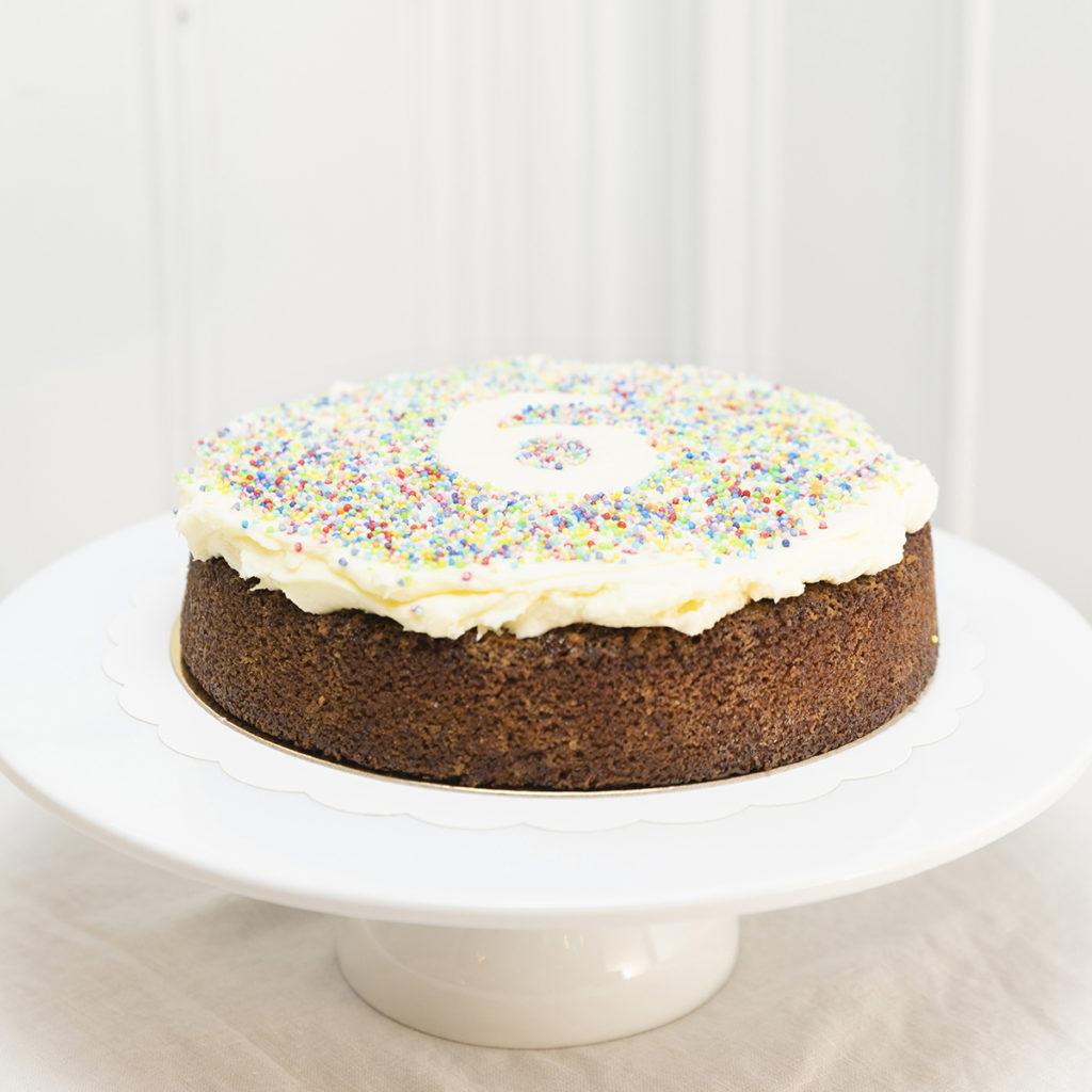 Tarta de cumpleaños infantil Zanahoria Sin Gluten