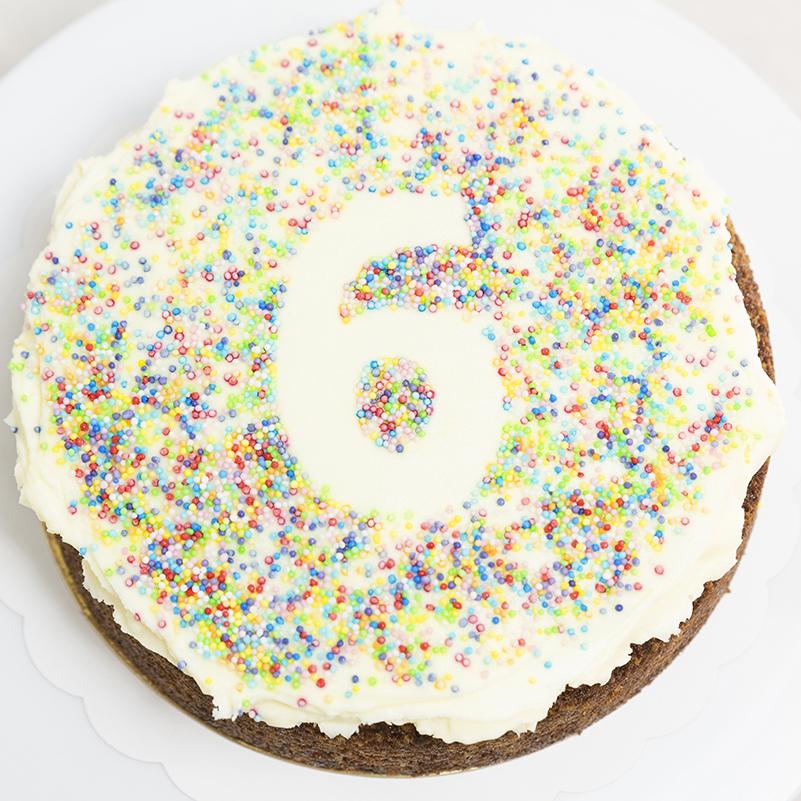 Tarta de cumpleaños personalizada Zanahoria Sin Gluten
